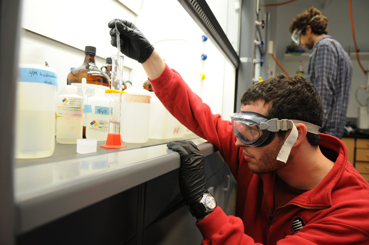 A student works in a physical inorganic chemistry class inside the Chemistry Building at Western Washington University in Bellingham March 31, 2011. Photo by Seattle Bellingham photographer Daniel Berman/www.bermanphotos.com