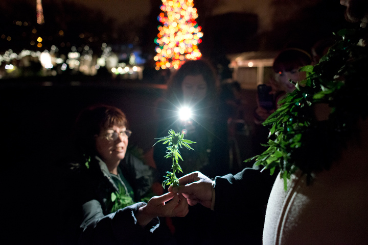 washington-legalizes-marijuana_seattle-photos_08